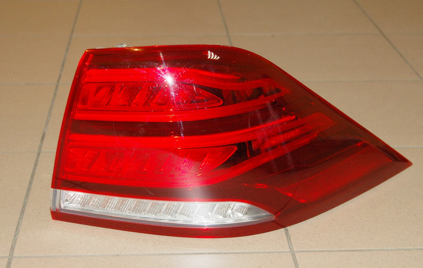 GENUINE OEM MERCEDES BENZ 16 17 GLE W166 RIGHT REAR TAIL LIGHT ...